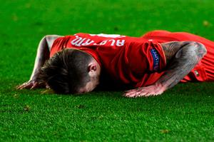 VILLARREAL, SPAIN - APRIL 28:  Alberto Moreno of Liverpool reacts after a missed chance during the UEFA Europa League semi final first leg match between Villarreal CF and Liverpool at Estadio El Madrigal on April 28, 2016 in Villarreal, Spain.  (Photo by David Ramos/Getty Images)