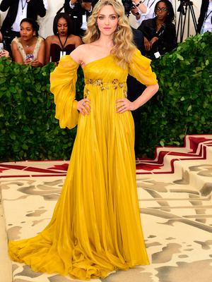 Amanda Seyfried attending the Metropolitan Museum of Art Costume Institute Benefit Gala 2018 in New York, USA. PRESS ASSOCIATION Photo. Picture date: Tuesday May 8, 2018. See PA story SHOWBIZ MET Gala. Photo credit should read: Ian West/PA Wire