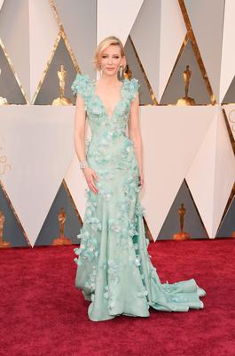 HOLLYWOOD, CA - FEBRUARY 28:  Actress Cate Blanchett attends the 88th Annual Academy Awards at Hollywood & Highland Center on February 28, 2016 in Hollywood, California.  (Photo by Jason Merritt/Getty Images)