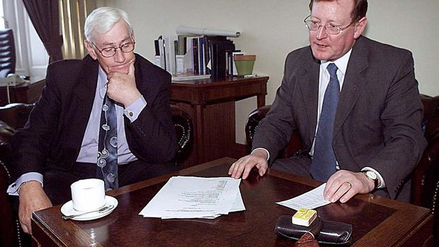 PACEMAKER BELFAST 29/5/00  First Minister David Trimbel and Dep First Minister Seamus Mallon break for coffee when they met today to start planing for the new Northern Ireland Executive which will be operational from tomorrow.