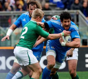 ROME, ITALY - MARCH 16:  Alessandro Zanni of Italy (R) is tackled during the RBS Six Nations match between Italy and Ireland at Stadio Olimpico on March 16, 2013 in Rome, Italy.  (Photo by Paolo Bruno/Getty Images)