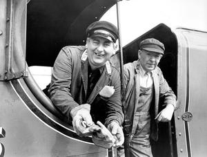 """Jackie Kitchen (left), Belfast, and Willie McCaughley, Lurgan, who were the engine drivers of Mo. 85 """"Merlin"""" for a special trip organised by the Railway Preservation Society of Ireland.  12/5/1987"""