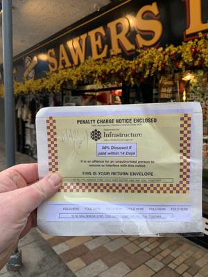 Picture of the parking ticket posted on Twitter by @sawersltd