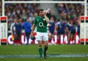 Brian O'Driscoll of Ireland applies an ice pack to his face during the RBS Six Nations match between France and Ireland at Stade de France on March 15, 2014 in Paris, France.  (Photo by Paul Gilham/Getty Images)