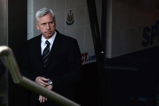 NEWCASTLE UPON TYNE, ENGLAND - APRIL 27: Alan Pardew, manager of Newcastle United looks on prior to the Barclays Premier League match between Newcastle United and Liverpool at St James' Park on April 27, 2013 in Newcastle upon Tyne, England. (Photo by Gareth Copley/Getty Images)
