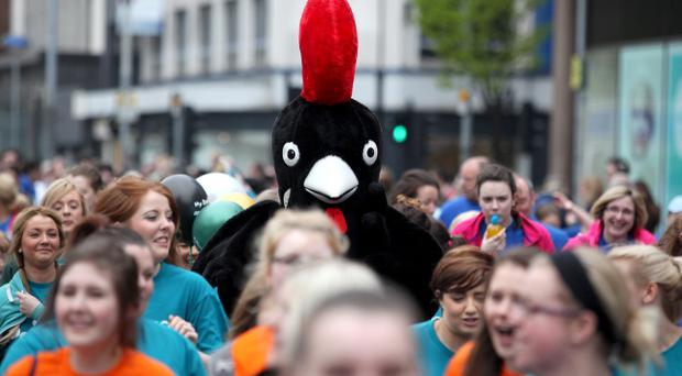 06.05.13. PICTURE BY DAVID FITZGERALD The Belfast City Marathon kicks off yesterday at 9AM at the Belfast City Hall. A giant chicken takes part in the marathon