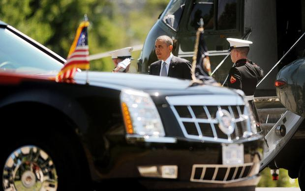 U.S. President Barack Obama walking towards his presidential car. (Photo by Olivier Douliery-Pool/Getty Images)