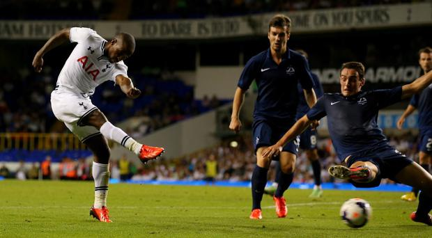 LONDON, ENGLAND - AUGUST 29: Jermain Defoe of Tottenham Hotspur shoots at goal during the UEFA Europa League Play-Offs, second leg match between Tottenham Hotspur and FC Dinamo Tbilisi at White Hart Lane on August 29, 2013 in London, England. (Photo by Clive Rose/Getty Images)
