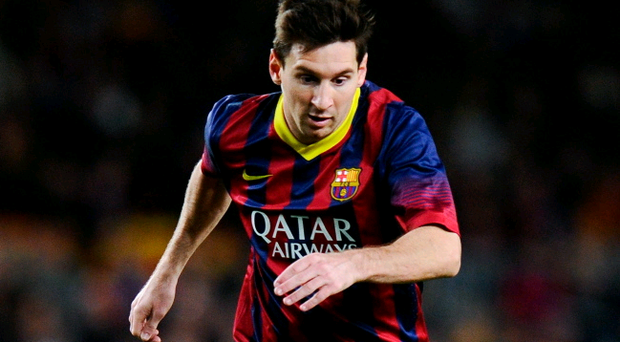 BARCELONA, SPAIN - NOVEMBER 01: Lionel Messi of FC Barcelona runs with the ball during the La Liga match between FC Barcelona and RCD Espanyol at Camp Nou on November 1, 2013 in Barcelona, Spain. (Photo by David Ramos/Getty Images)
