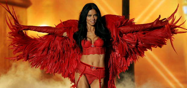 Model Adriana Lima walks the runway at the 2013 Victoria's Secret Fashion Show at Lexington Avenue Armory on November 13, 2013 in New York City. (Photo by Bryan Bedder/Getty Images for Swarovski)