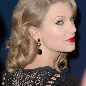 BEVERLY HILLS, CA - JANUARY 12: Singer Taylor Swift attends the 2014 InStyle and Warner Bros. 71st Annual Golden Globe Awards Post-Party on January 12, 2014 in Beverly Hills, California. (Photo by Jason Merritt/Getty Images)
