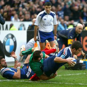 Brice Dulin of France score a try for France during the RBS Six Nations match between France and Ireland at Stade de France on March 15, 2014 in Paris, France. (Photo by Paul Gilham/Getty Images)