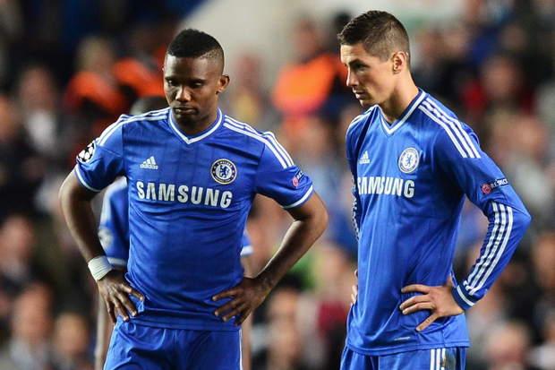 Dejected: Samuel Eto'o and Fernando Torres of Chelsea