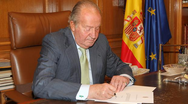 Spain's King Juan Carlos has announced plans to abdicate after 39 year reign