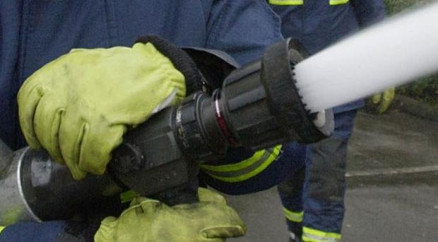 Firefighters in Northern Ireland will be able to retire at 55 and keep their full pension under a deal being offered by the Executive