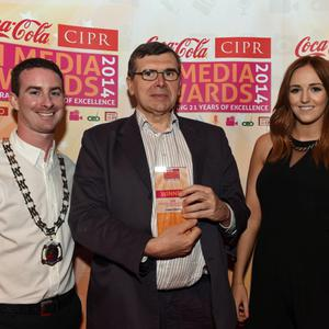 CIPR NEWSPAPER JOURNALIST OF THE YEAR ?Pictured is Liam Clarke, The Belfast Telegraph with Chris Love CIPR NI & Nicci Gregg, Coca Cola. Photo by Simon Graham/Harrison Photography