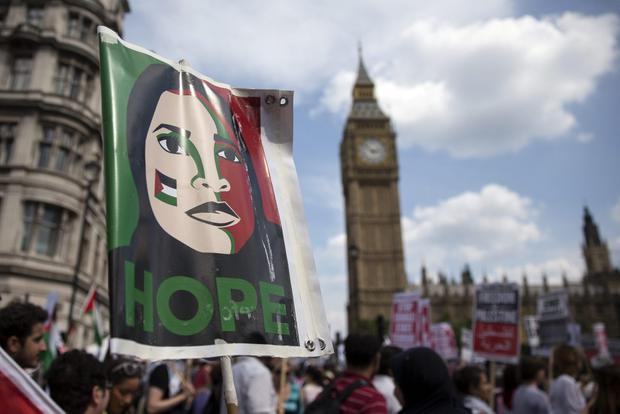 Voting by 274 to 12, a majority of 262, MPs on all sides urged the Government to 'recognise the state of Palestine'