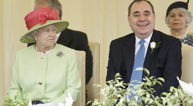 The Queen 'purred' down the phone line after hearing the Scots had not voted for independence