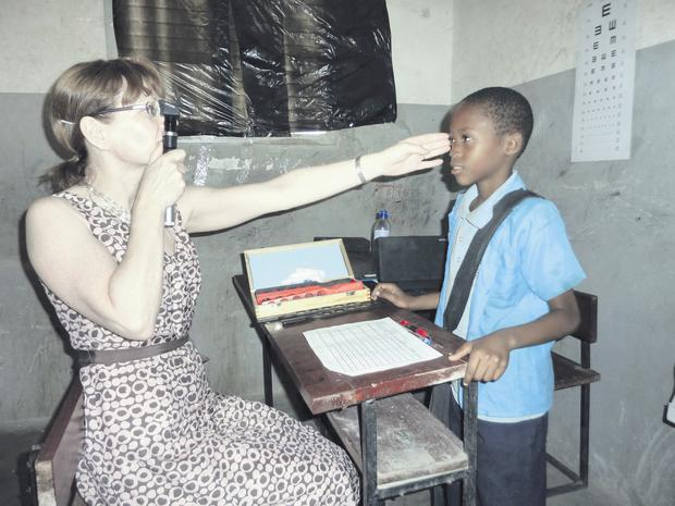 Dr Lisa O'Donoghue treats children in Mozambique