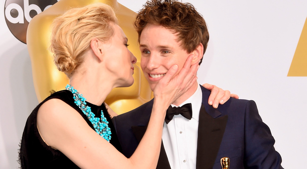 HOLLYWOOD, CA - FEBRUARY 22: Actors Cate Blanchett (L) and Eddie Redmayne winner of the Best Actor in a Leading Role Award for 'The Theory of Everything' pose in the press room during the 87th Annual Academy Awards at Loews Hollywood Hotel on February 22, 2015 in Hollywood, California. (Photo by Jason Merritt/Getty Images)