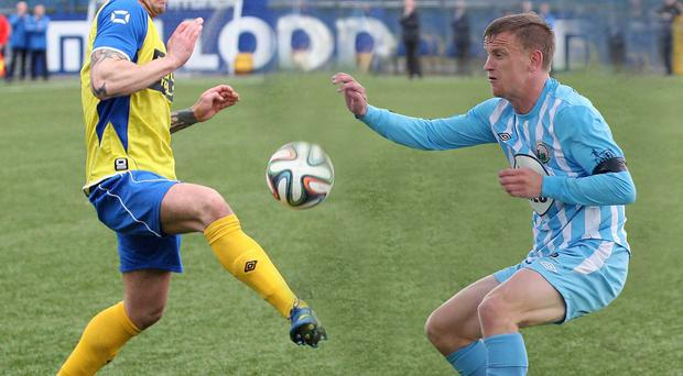 Bangor and Warrenpoint Town will face each other in this season's promotion / relegation play-offs