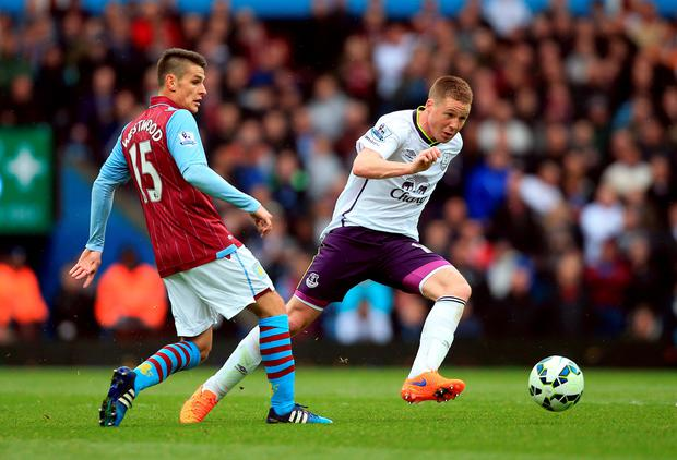 Everton's James McCarthy (right) and Aston Villa's Ashley Westwood