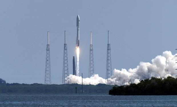 A United Launch Alliance Atlas V rocket lifts off from Cape Canaveral (Craig Bailey/Florida Today via AP)