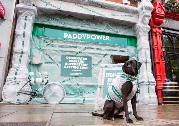 Paddy Power covered an entire shop, in Dublin's Baggot Street, in bubble wrap ahead of the Republic of Ireland's clash with England. Image: Paul Sharp/SharpPix