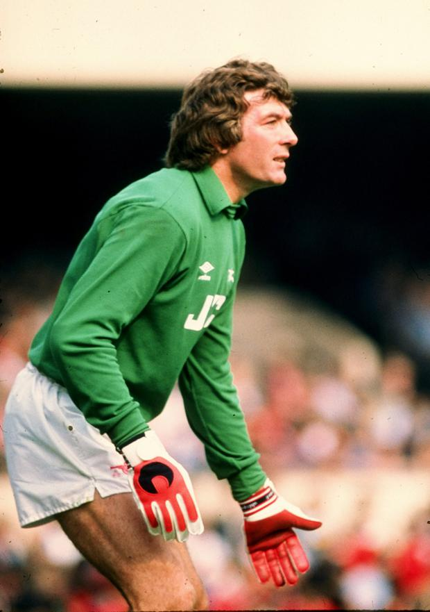 1980: Pat Jennings in goal for Arsenal.