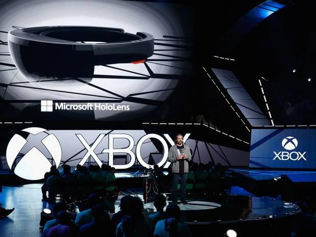 Microsoft Hololens shown off alongside updated controller at E3 gaming convention