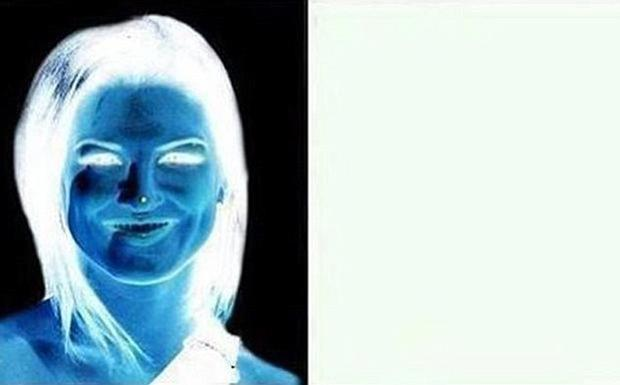 'Blue demon' illusion uses the negative afterimage effect to magic a brunette into being