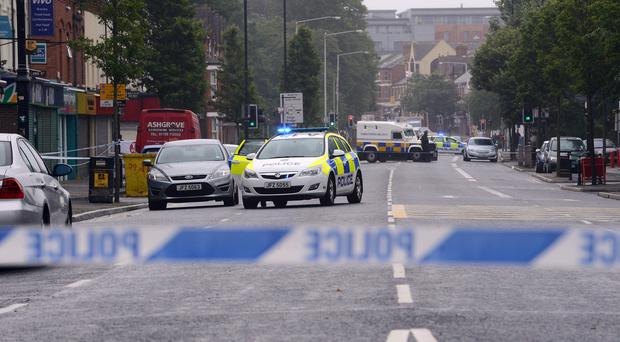 Pacemaker Press 06/07/2015: Part of the Ormeau Road in south Belfast has been closed during a security alert. A suspicious object was discovered in the area on Monday afternoon.The road has been closed between Stranmillis Embankment and University Street. Picture By: Arthur Allison/Pacemaker