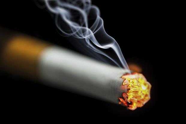 Burning issue: smoking while driving