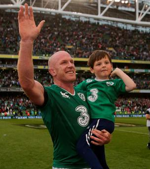 Paul O'Connell waves goodbye to the Aviva