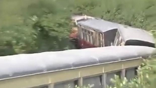 Two British tourists feared dead in train derailment in India