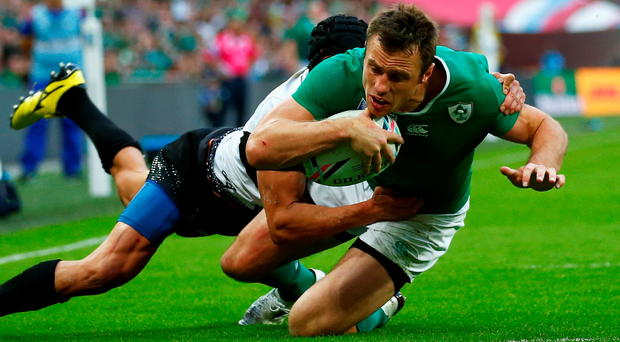 Tommy Bowe scores Ireland's fourth try