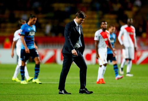 MONACO - OCTOBER 01: Mauricio Pochettino manager of Tottenham Hotspur walks across the pitch at half time during the UEFA Europa League group J match between AS Monaco FC and Tottenham Hotspur FC at Stade Louis II on October 1, 2015 in Monaco, Monaco. (Photo by Julian Finney/Getty Images)