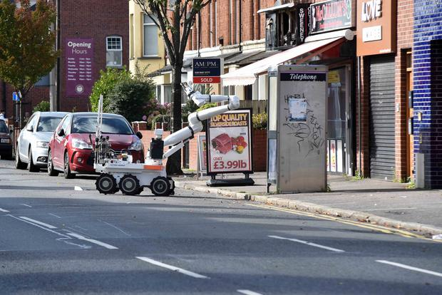 Presseye Ltd- October 7th 2015 The scene on the Beersbridge Road on Wednesday afternoon where a suspect device was found. Picture: TONY HENDRON/Presseye