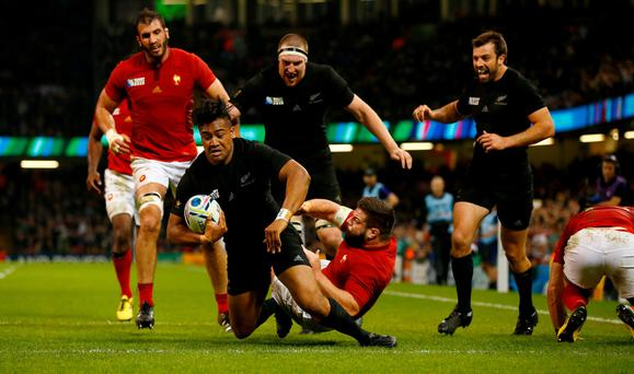 Julian Savea of the New Zealand All Blacks scores his second try, his team's fourth try, during the 2015 Rugby World Cup Quarter Final match between New Zealand and France at Millennium Stadium on October 17, 2015 in Cardiff, United Kingdom. (Photo by Stu Forster/Getty Images)