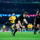 LONDON, ENGLAND - OCTOBER 31: Beauden Barrett of New Zealand dives over to score his team's third try during the 2015 Rugby World Cup Final match between New Zealand and Australia at Twickenham Stadium on October 31, 2015 in London, United Kingdom. (Photo by Paul Gilham/Getty Images)