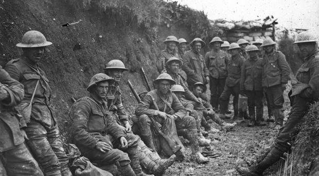 First World War image shows British soldiers in trenches