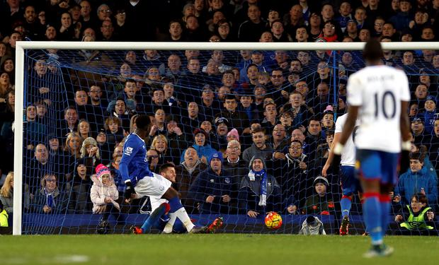 Everton's Romelu Lukaku scores his side's first goal of the game during the Barclays Premier League match at Goodison Park, Liverpool. PA