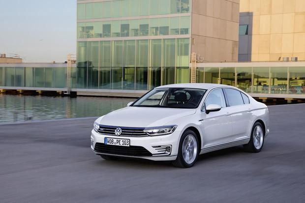 Volkswagen Passat GTE 2015: Latest guise it punches far above its weight in the exterior looks