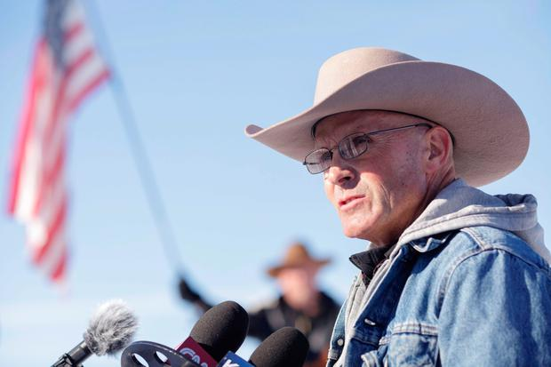 (FILES) This file photo taken on January 15, 2016 shows occupier LaVoy Finicum speaking to the media at the Malheur National Wildlife Refuge Headquarters in Burns, Oregon on January 15, 2016. AFP/Getty Images