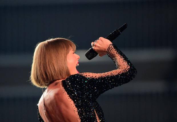 Singer Taylor Swift performs during the 58th Annual Grammy music Awards in Los Angeles February 15, 2016. AFP PHOTO/ ROBYN BECKROBYN BECK/AFP/Getty Images