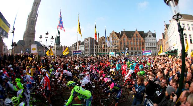 OUDENAARDE, WEST-VLAANDEREN - APRIL 03: The riders gather at the start prior to the 100th edition of the Tour of Flanders from Bruges to Oudenaarde on April 3, 2016 in Bruges, Belgium. (Photo by Bryn Lennon/Getty Images)