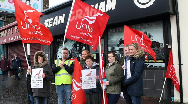 Unite members on strike at Sean Graham's Crumlin Road Branch. Picture by Freddie Parkinson/Press Eye © Saturday 9th April 2016