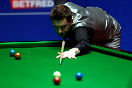 Mark Selby leads the World Snooker final after the first day