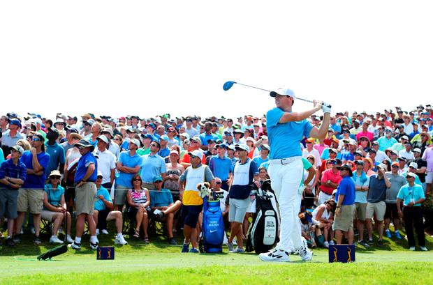 Rory McIlroy of Northern Ireland plays his shot from the 18th tee during the second round of THE PLAYERS Championship at the TPC Stadium course on May 13, 2016 in Ponte Vedra Beach, Florida. (Photo by Richard Heathcote/Getty Images)