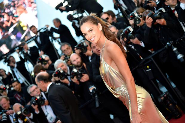 Brazilian model Izabel Goulart poses as she arrives on May 20, 2016 for the screening of the film
